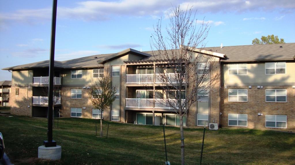 Woodland West Condos & Rentals